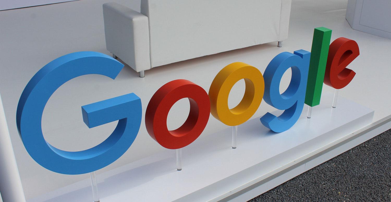 google sobrepasa a apple como la empresa m s valiosa. Black Bedroom Furniture Sets. Home Design Ideas